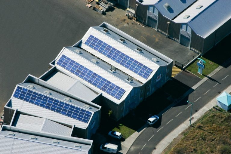 Toiture photovoltaïque Sodegis, Ile de la Reunion, Apex Energies - 32kW