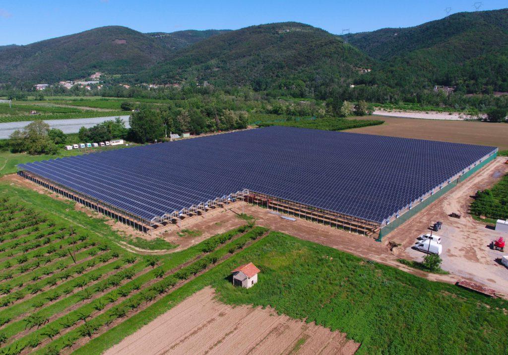Serre photovoltaïque Beauchastel réalisée par Apex Energies
